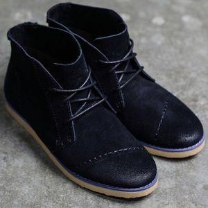 TOMS Women Chukka Boots